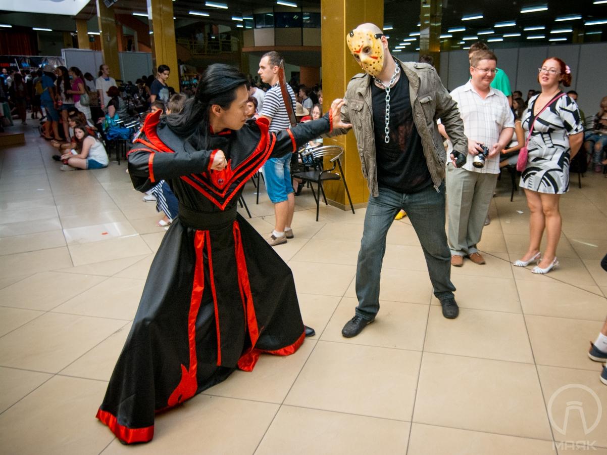Fan Expo Odessa в Морвокзале: косплей-костюмы, игры, ярмарка (фоторепортаж)