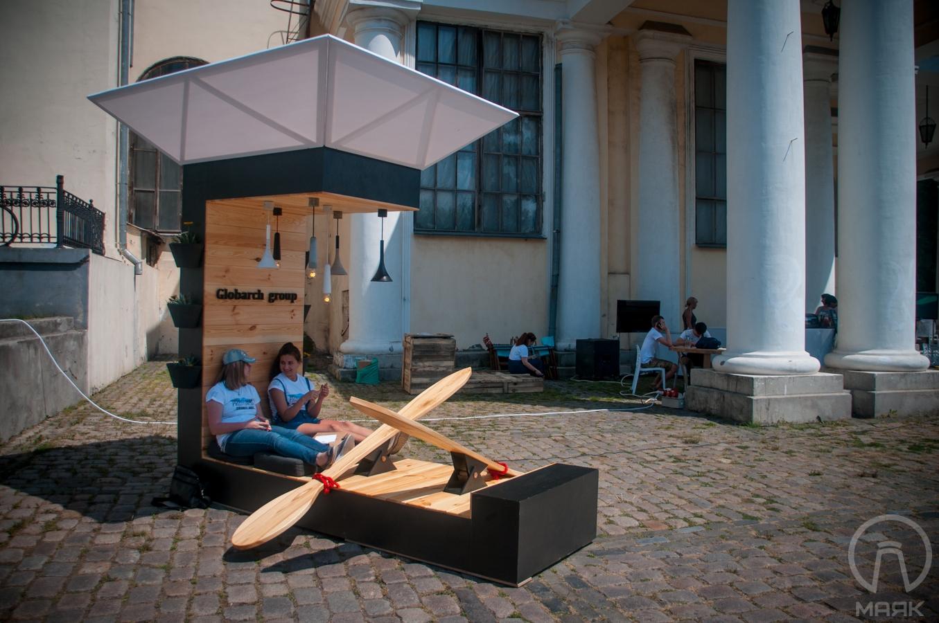 Prostoneba: в центре Одессы дизайнеры и архитекторы представили свои работы (фоторепортаж)