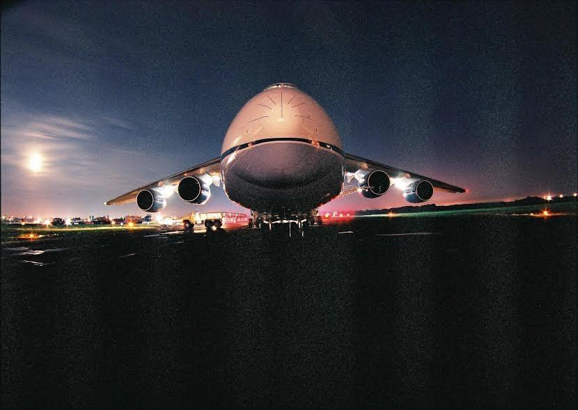 Большие самолеты в Одесском аэропорту — 10 кадров