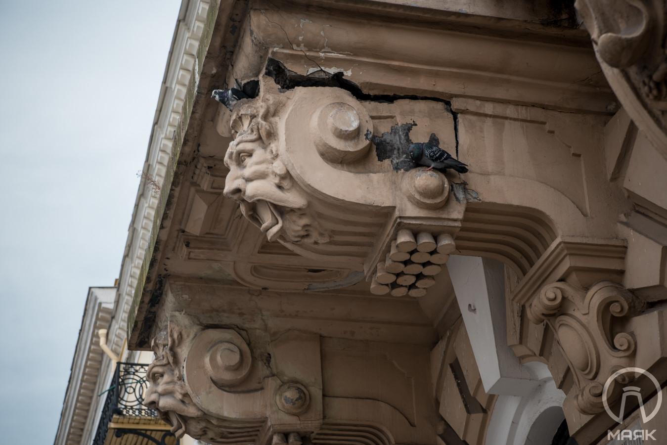 Доходный домЛерхе на Приморском бульваре: красота в упадке