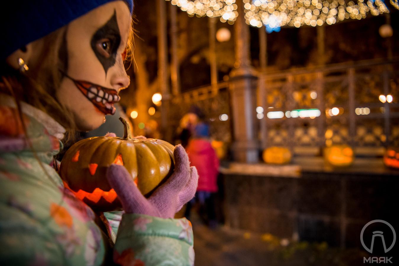 Хеллоуин в центре Одессы – Шествие мертвецов и Ночь тыкв в Горсаду