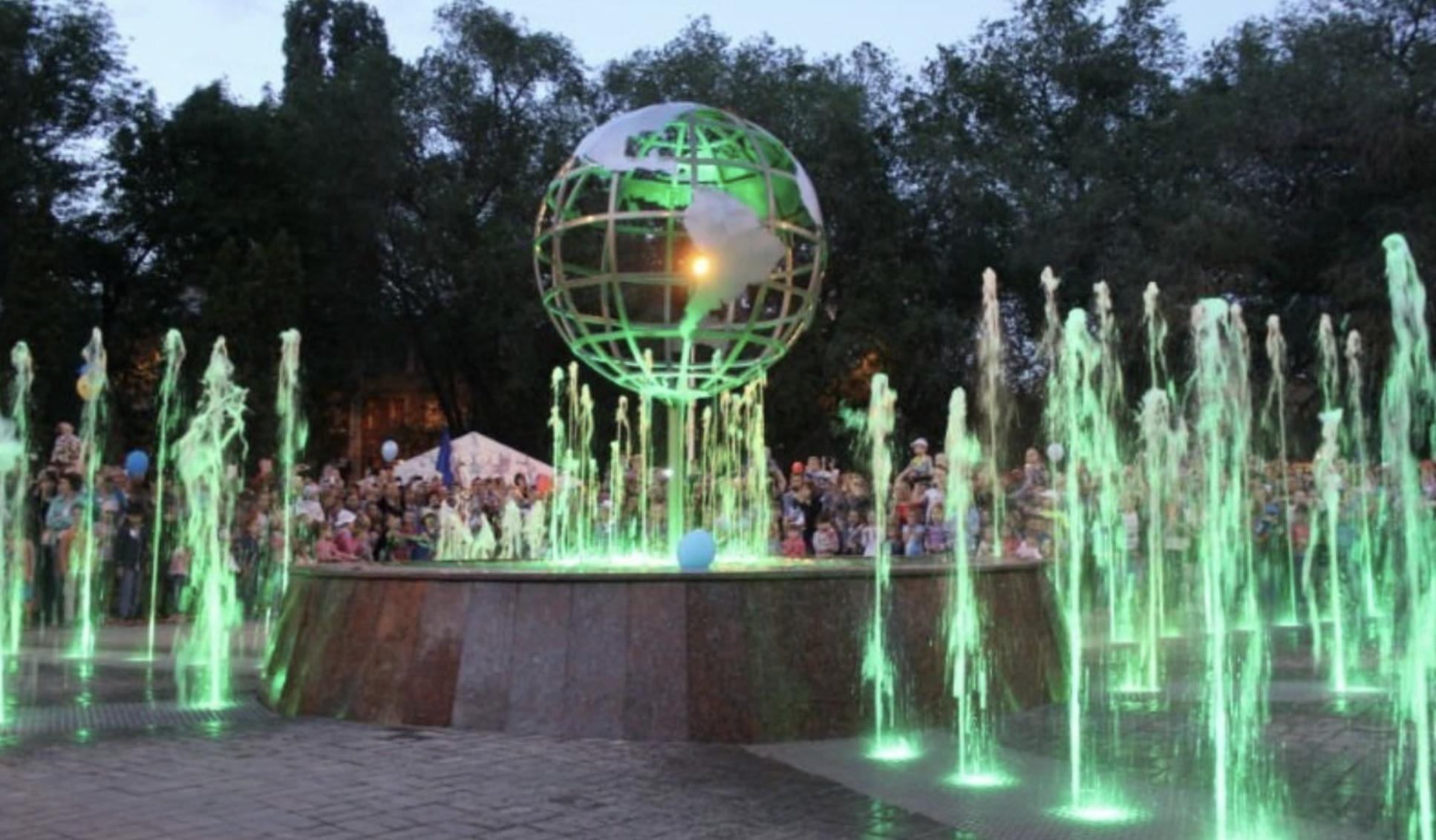В Старобазарном сквере хотят сделать аллею фонтанов