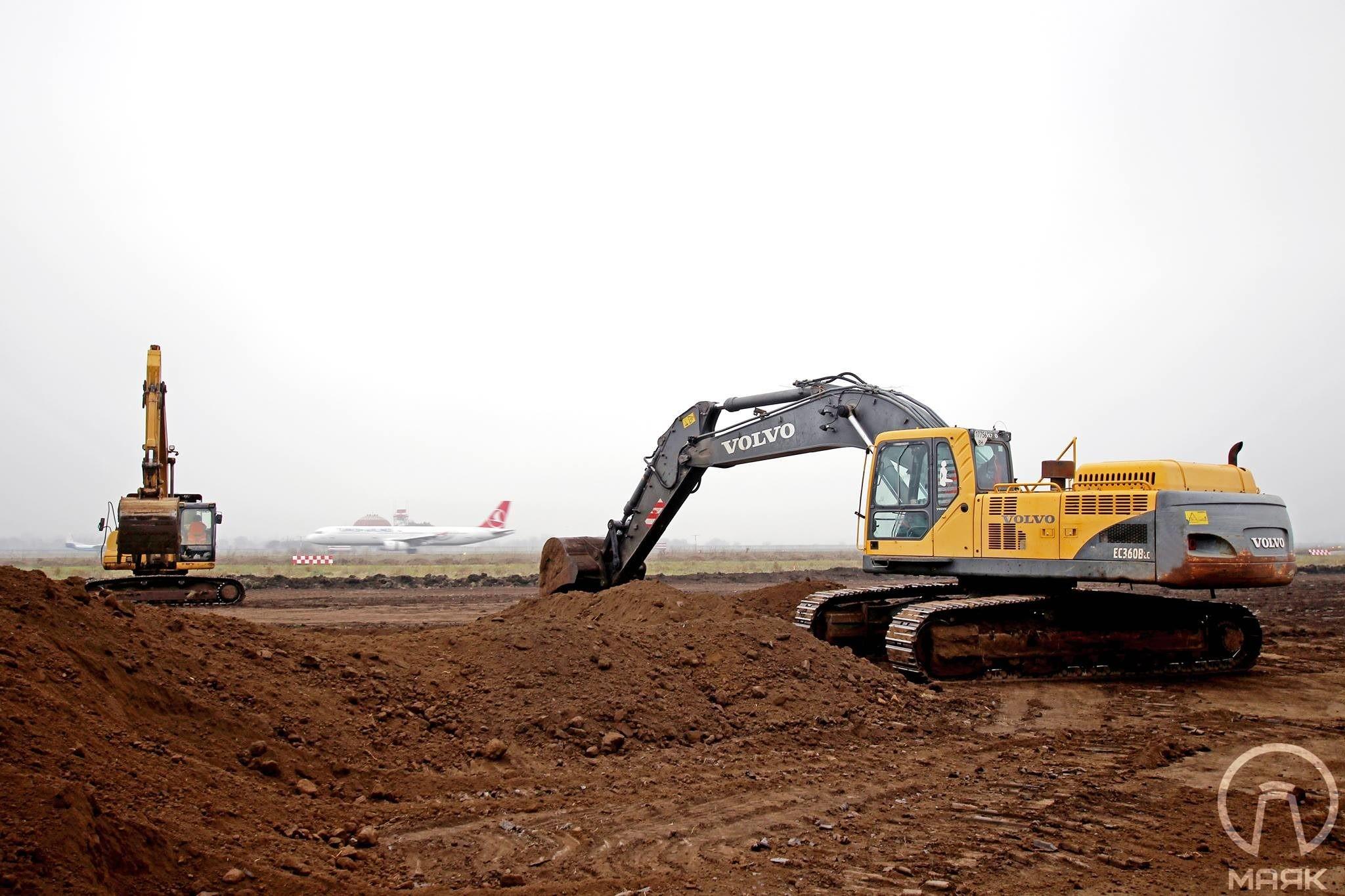 В Одесском аэропорту начали строить новую взлетно-посадочную полосу