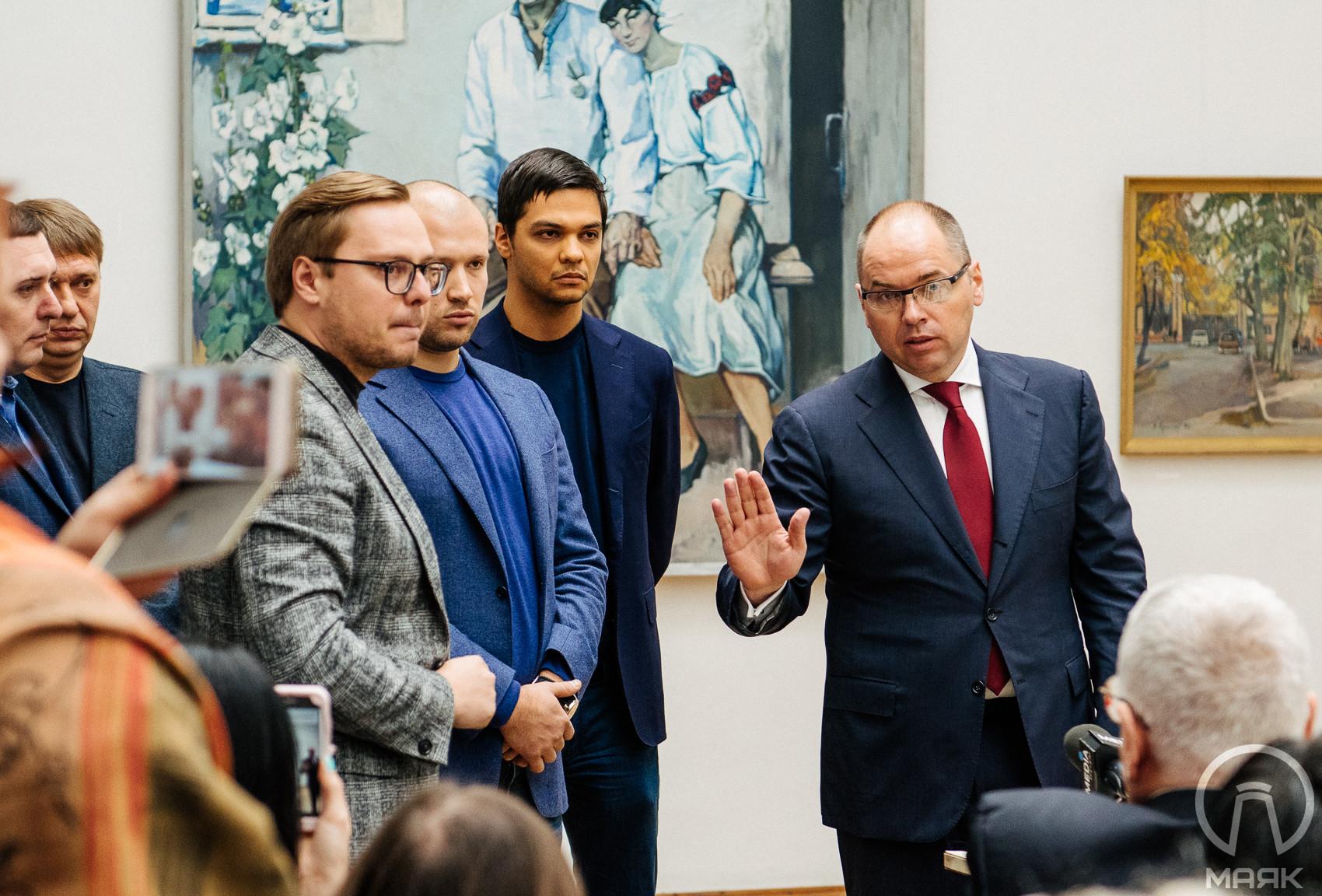 Глава области Степанов назначил Александра Ройтбурда директором музея, на его представлении Оппоблок устроил скандал
