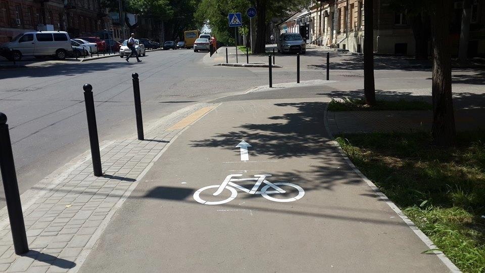 С сентября все дороги будутобязаны строить только с велодорожками