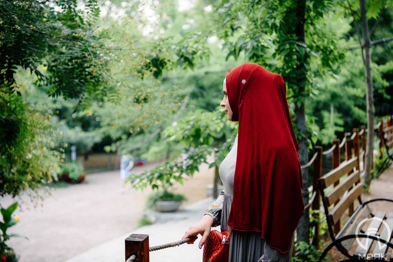 """""""Я ношу хиджаб и купаюсь в буркини"""" —  как жить в Одессе и соблюдать ислам"""