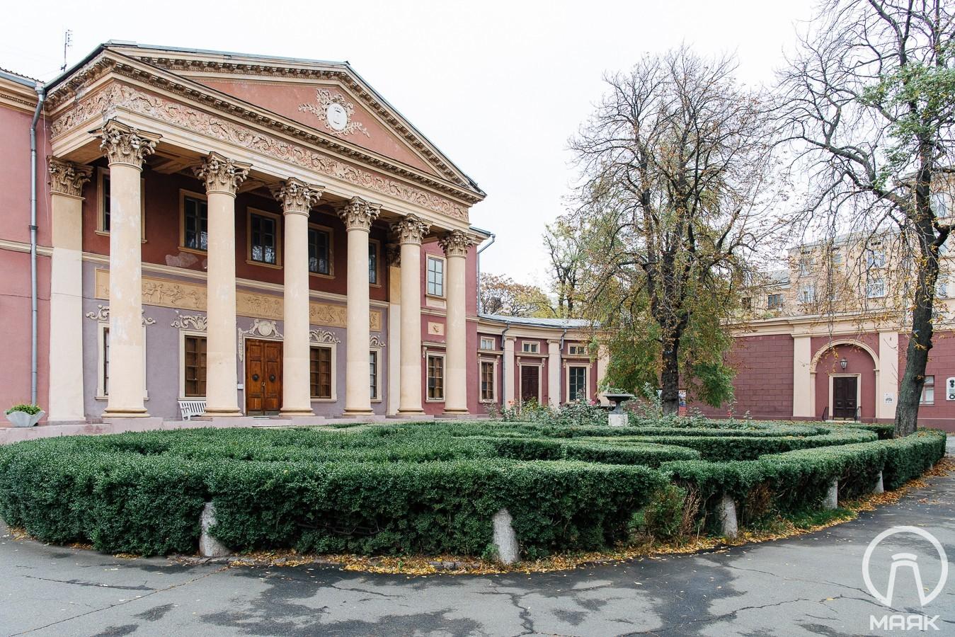 В Одесском художественном музее нашли деньги на ремонт и ввели день бесплатных посещений
