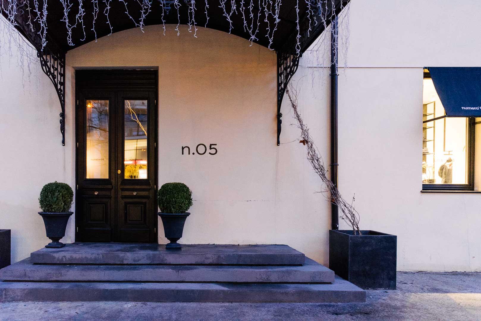 Numero 05, мультибрендовый магазин и кафе. Юрия Олеши, 5б