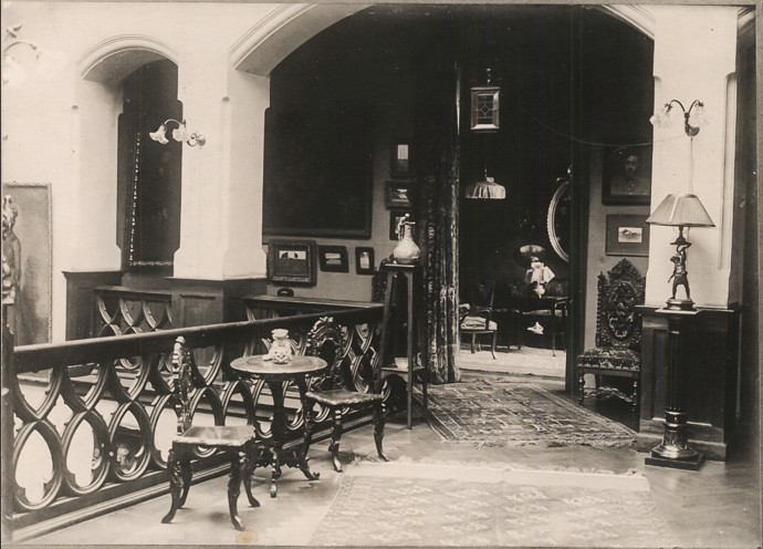 Фото интерьера дома при жизни Бунина.