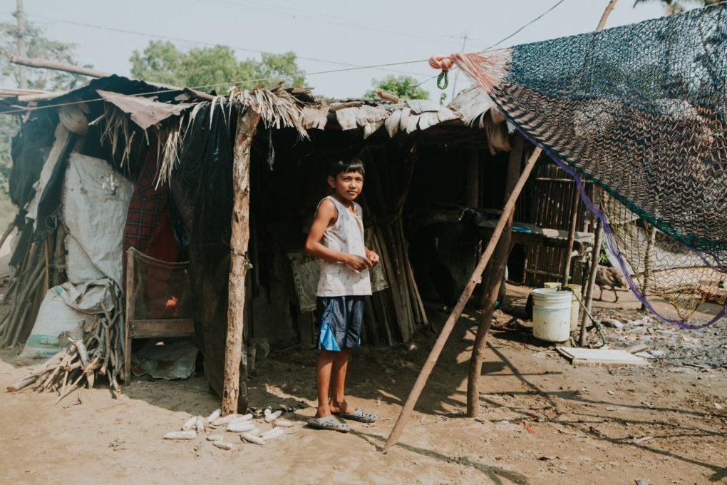 В таких домах жили семьи. Фото — newstorycharity.org.