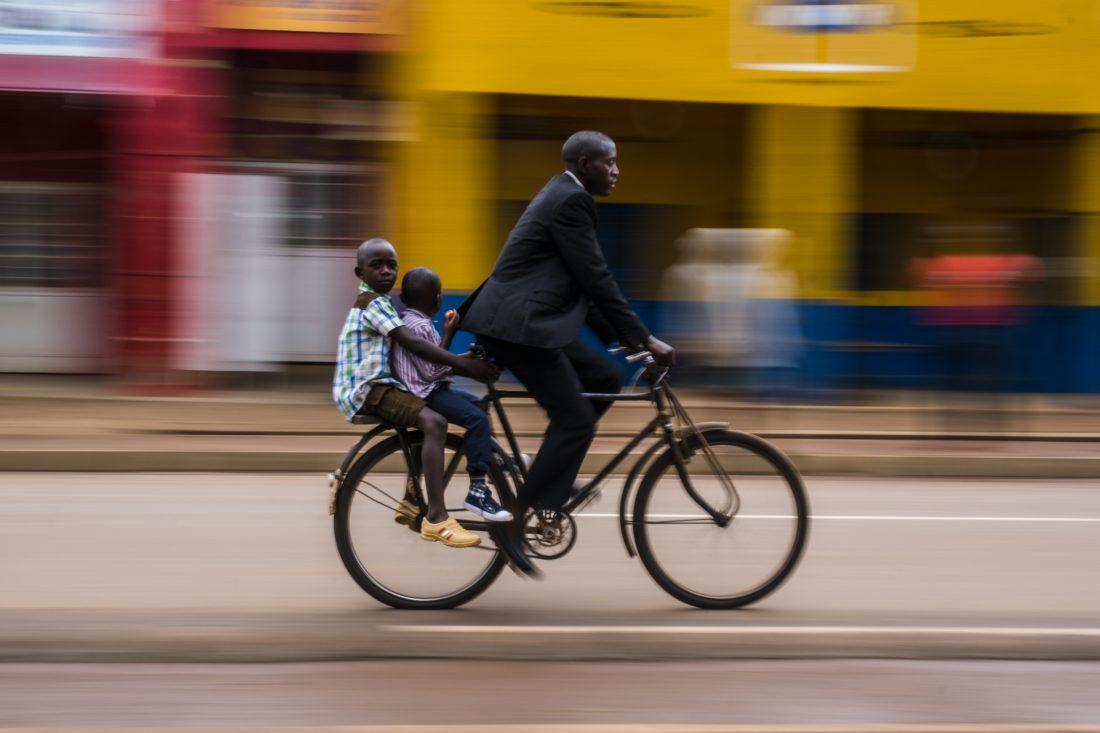 Первое место — «В школу. Руанда». Бенджамин Бакленд. 2019 год.