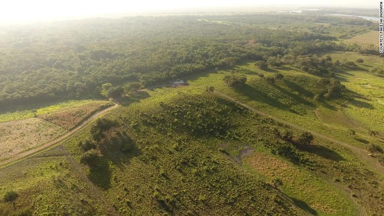 Вид с воздуха на местность, где обнаружили храм.