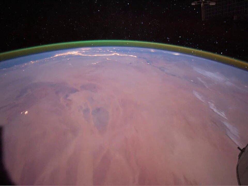 Зеленое свечение в атмосфере Земли.