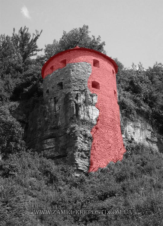 Красным отмечен фрагмент, который восстановили в 80-х годах. Все фото —«Замки Крепости».