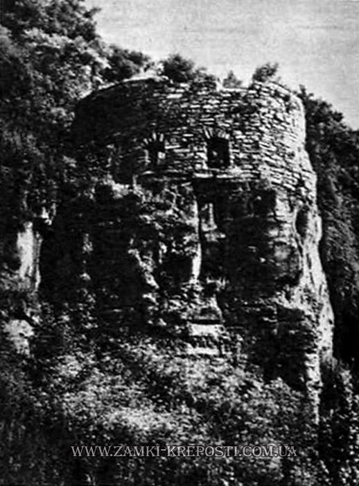 Снимок Захаржевской башни 1966 года.