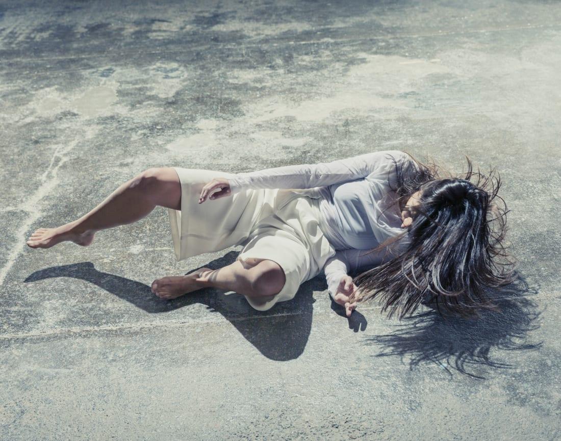 Мун Рибас — киборг-танцовщица и жена Нила Харбиссона. На ногах у нее имплантаты, подключенные к онлайн-сейсмографам. По ее словам, она способна «ощущать» землетрясения, происходящие в любой точке планеты, так как они вызывают вибрации, проходящие через ее тело.