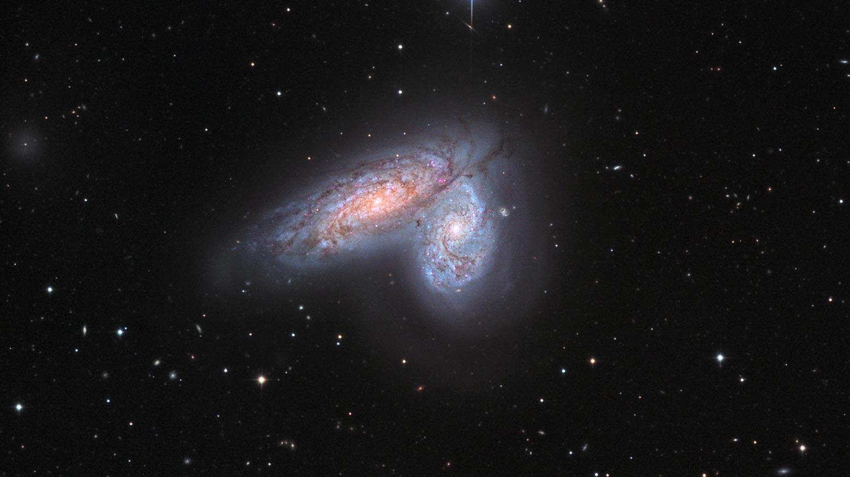 NGC 4567 и NGC 4568 (галактики «Сиамские близнецы»).