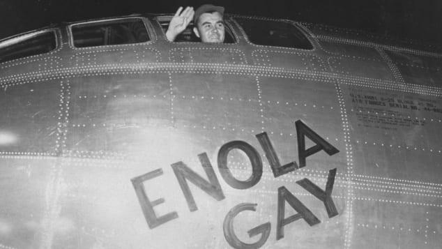 Командир экипажа «Энолы Гэй» Пол Тиббетс перед вылетом.