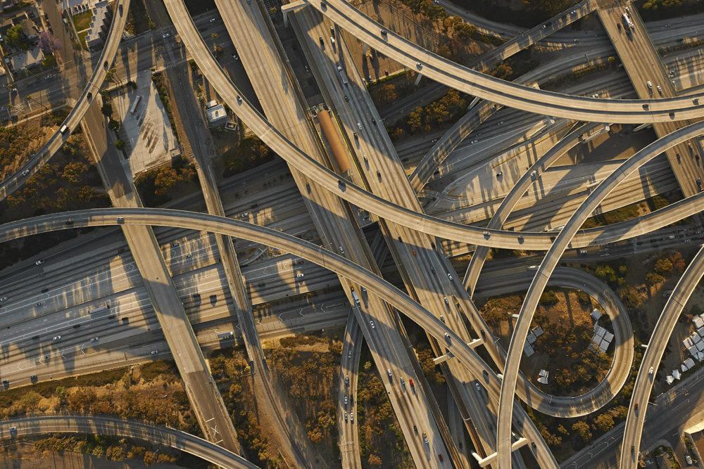 Лос-Анджелес, Калифорния, 2014 год. Знаменитая развязка Judge Harry Pregerson Interchange — самая большая и загруженная в Калифорнии.
