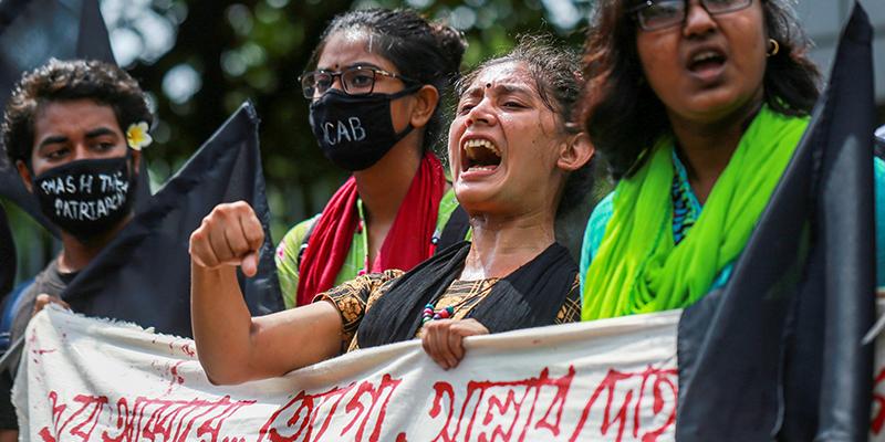 Бангладеш ввел смертную казнь за изнасилование после протестов, которые спровоцировал ролик с истязанием