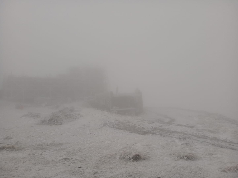 Снимок дня. Октябрьский снегопад в Карпатах