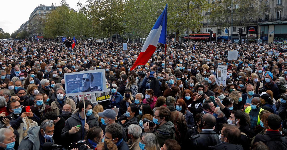 Акция памяти Самюэля Пати в Париже.