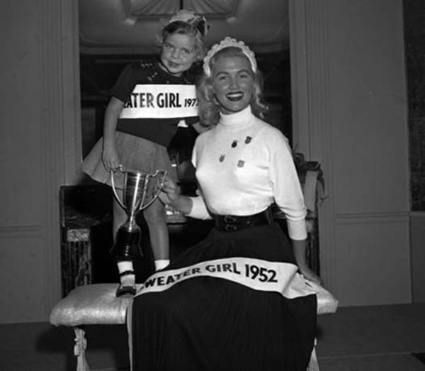 Мисс Королева свитеров, 1952 год.