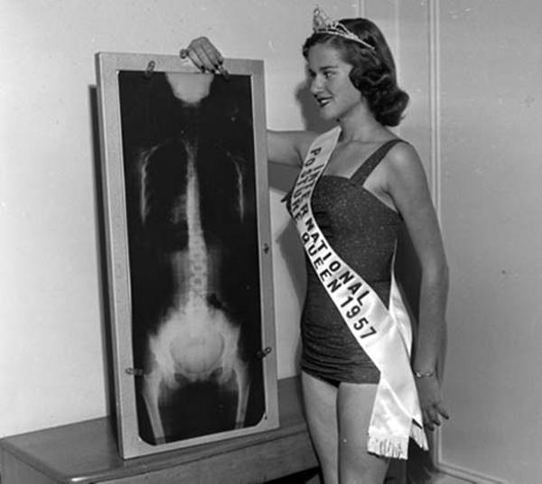 Международная Королева осанки, 1957 г.
