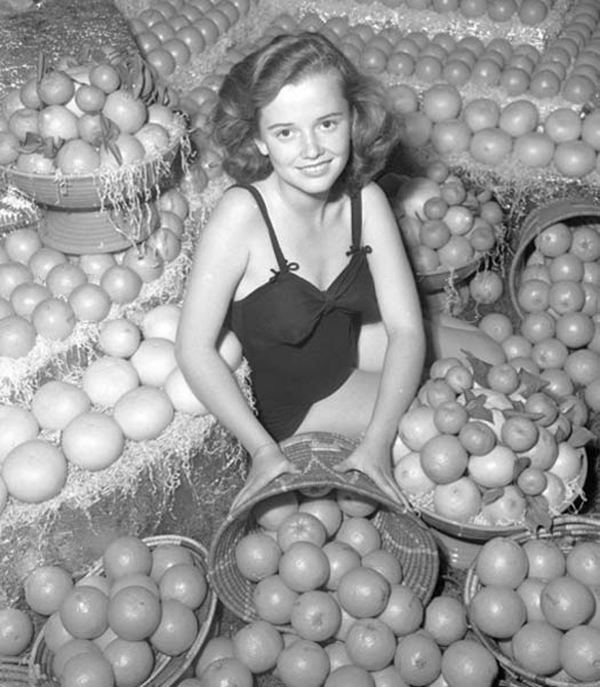 Мисс Королева апельсинов, 1930-е годы.