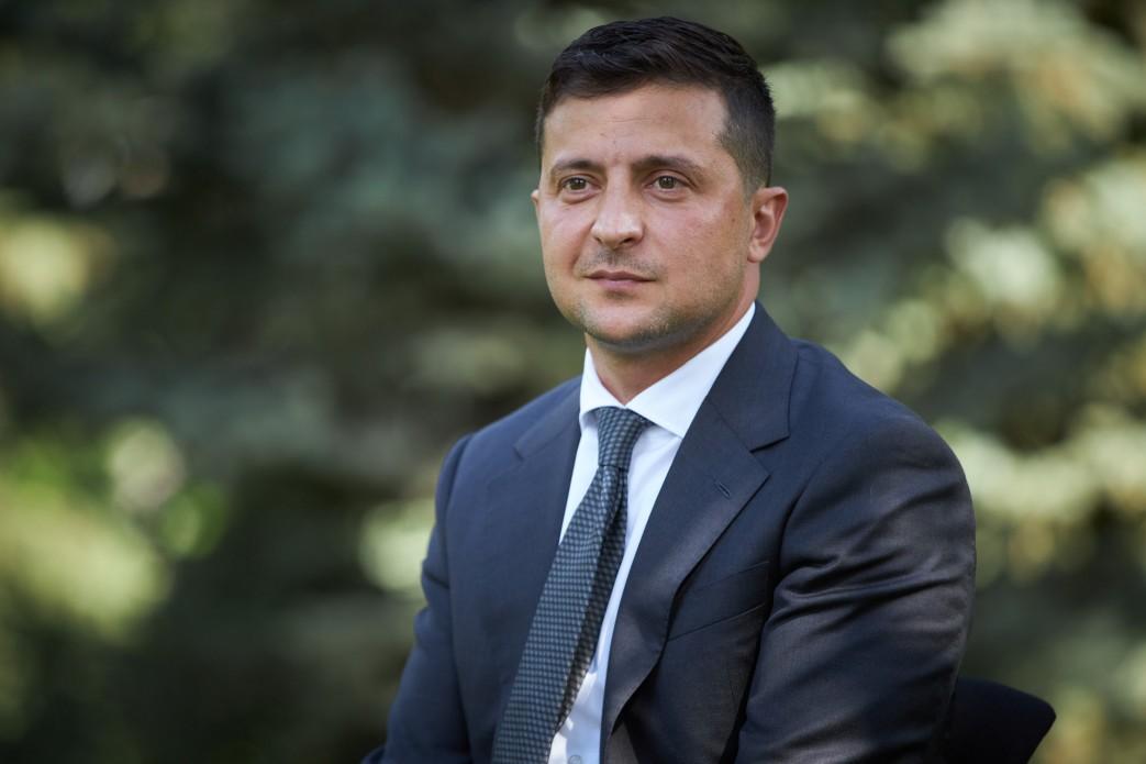 Зеленский анонсировал пять вопросов к украинцам. Но это не референдум