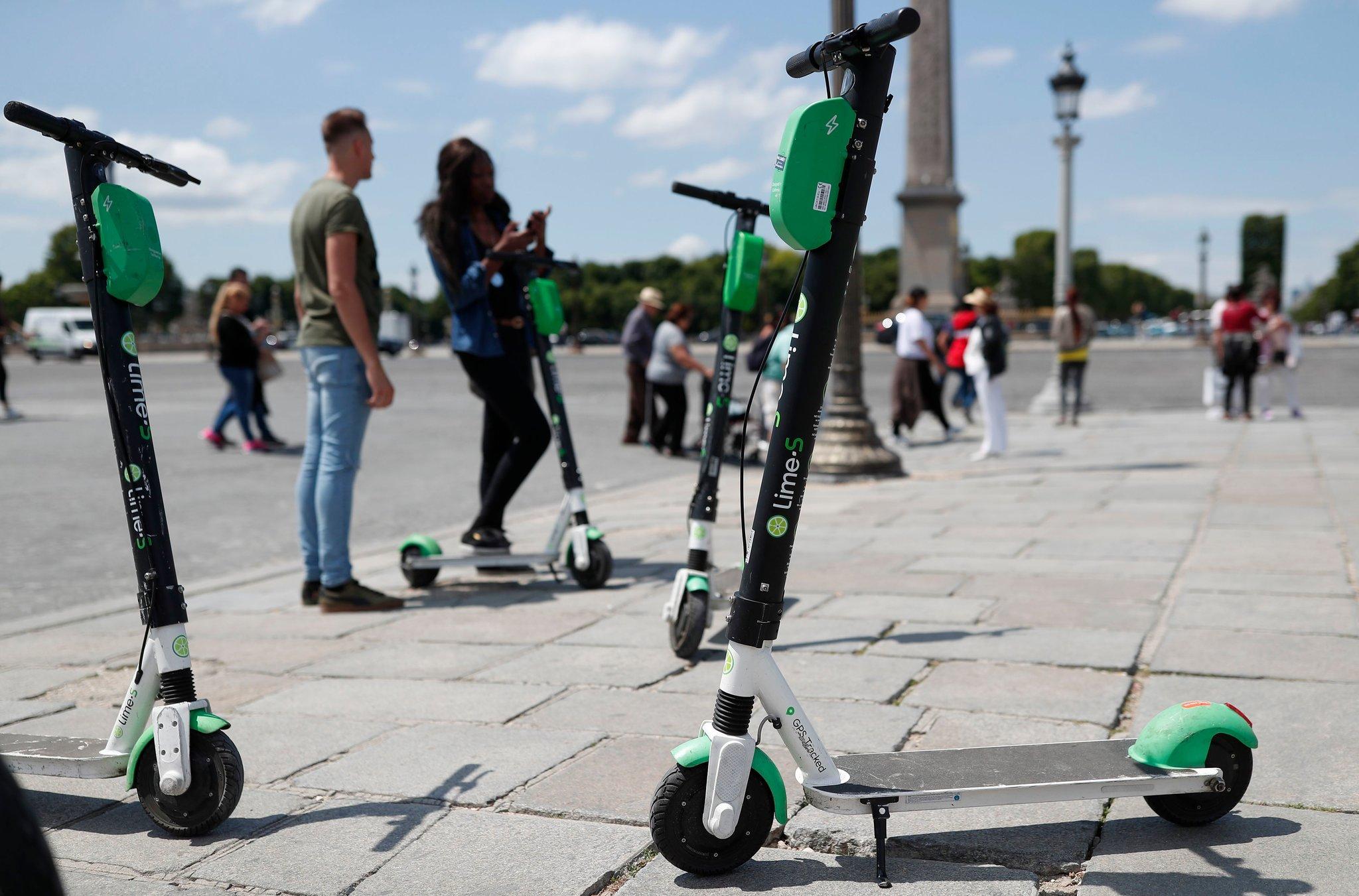 Власти Копенгагена запретят аренду электросамокатов. Они мешают передвигаться пожилым людям