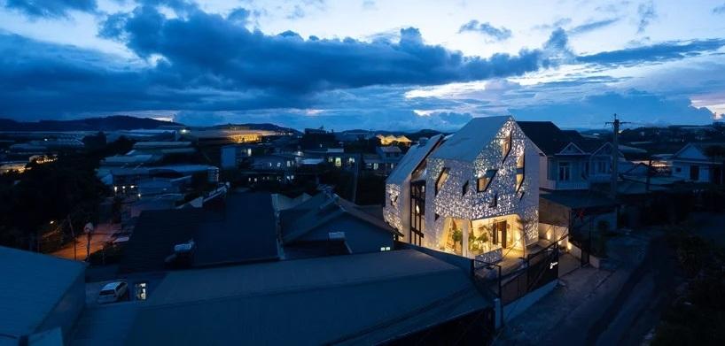 Дизайнеры превратили вьетнамский отель в сияющий фонарь