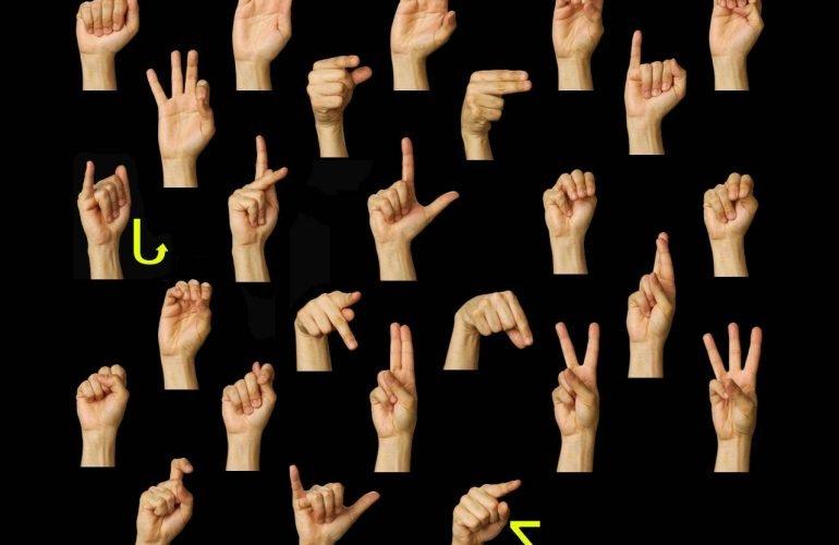 На платформе «Дія.Цифрова освіта» появились образовательные сериалы на языке жестов