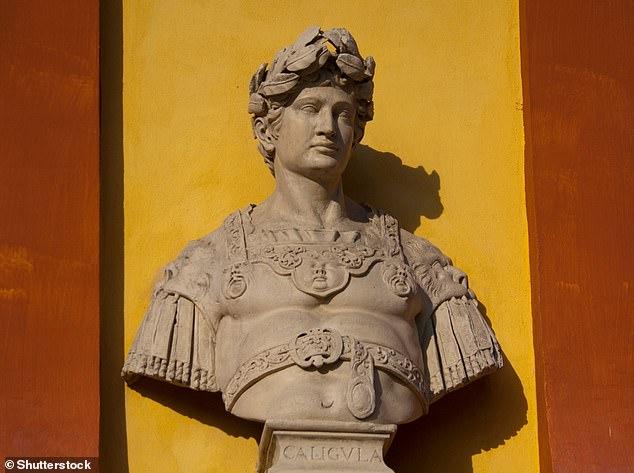 Бюст императора Калигулы в Модене, Италия.