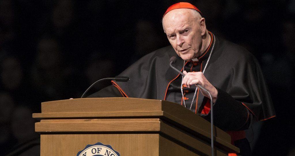 Американский кардинал укрывал педофилов и сам растлевал малолетних — расследование Ватикана