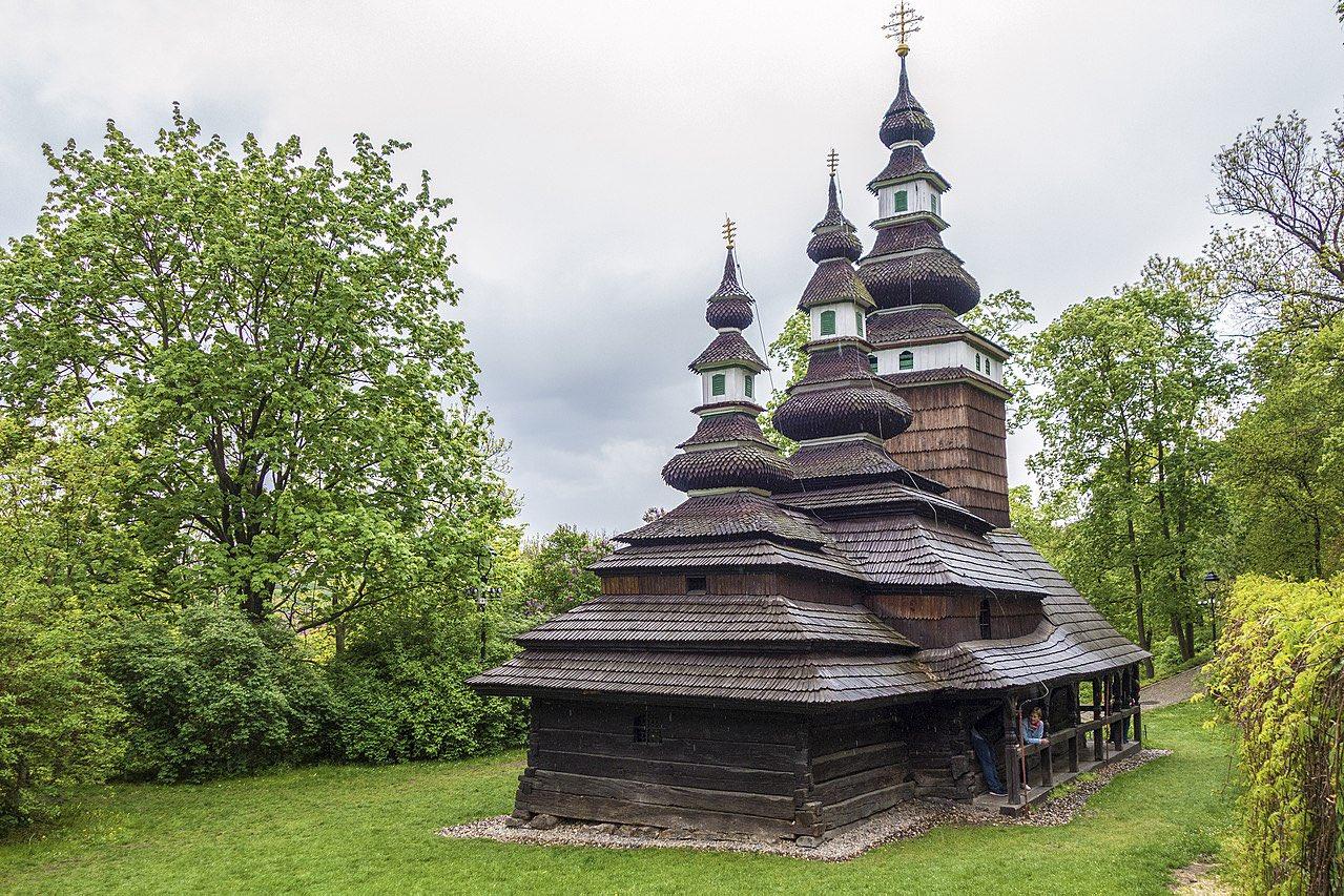 Фото — Hasiči Praha. Так церковь выглядела до пожара.
