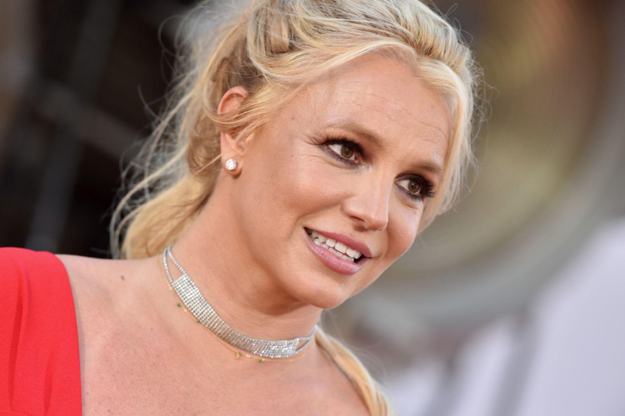 Бритни Спирс проиграла суд и не будет выступать, пока ее карьерой руководит отец