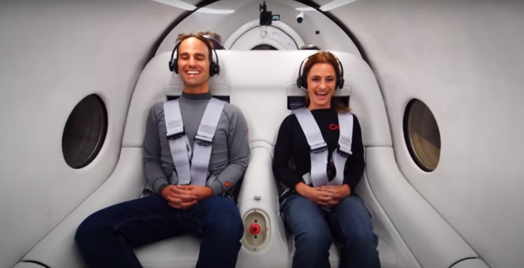 В Америке успешно прошли первые испытания капсулы Hyperloop с пассажирами внутри