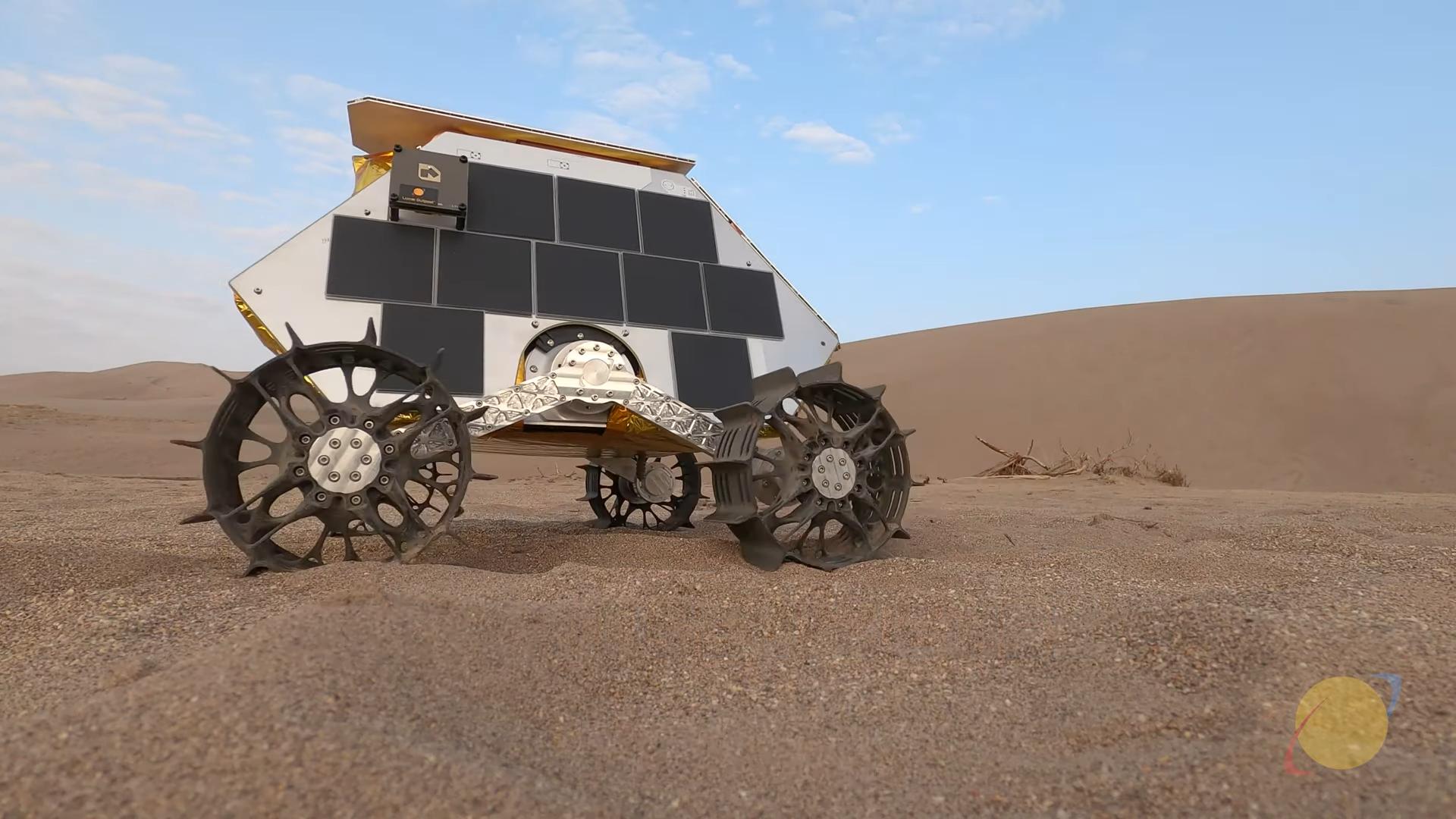 Фото — скриншот Lunar Outpost.
