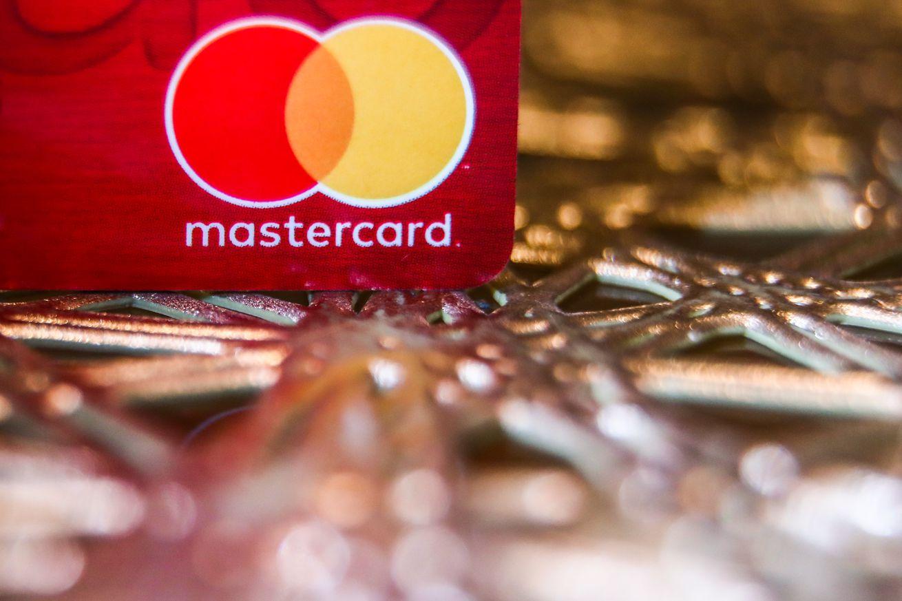 Mastercard и Visa отключили платежи на Pornhub. Сервис обвиняют в заработке на насилии