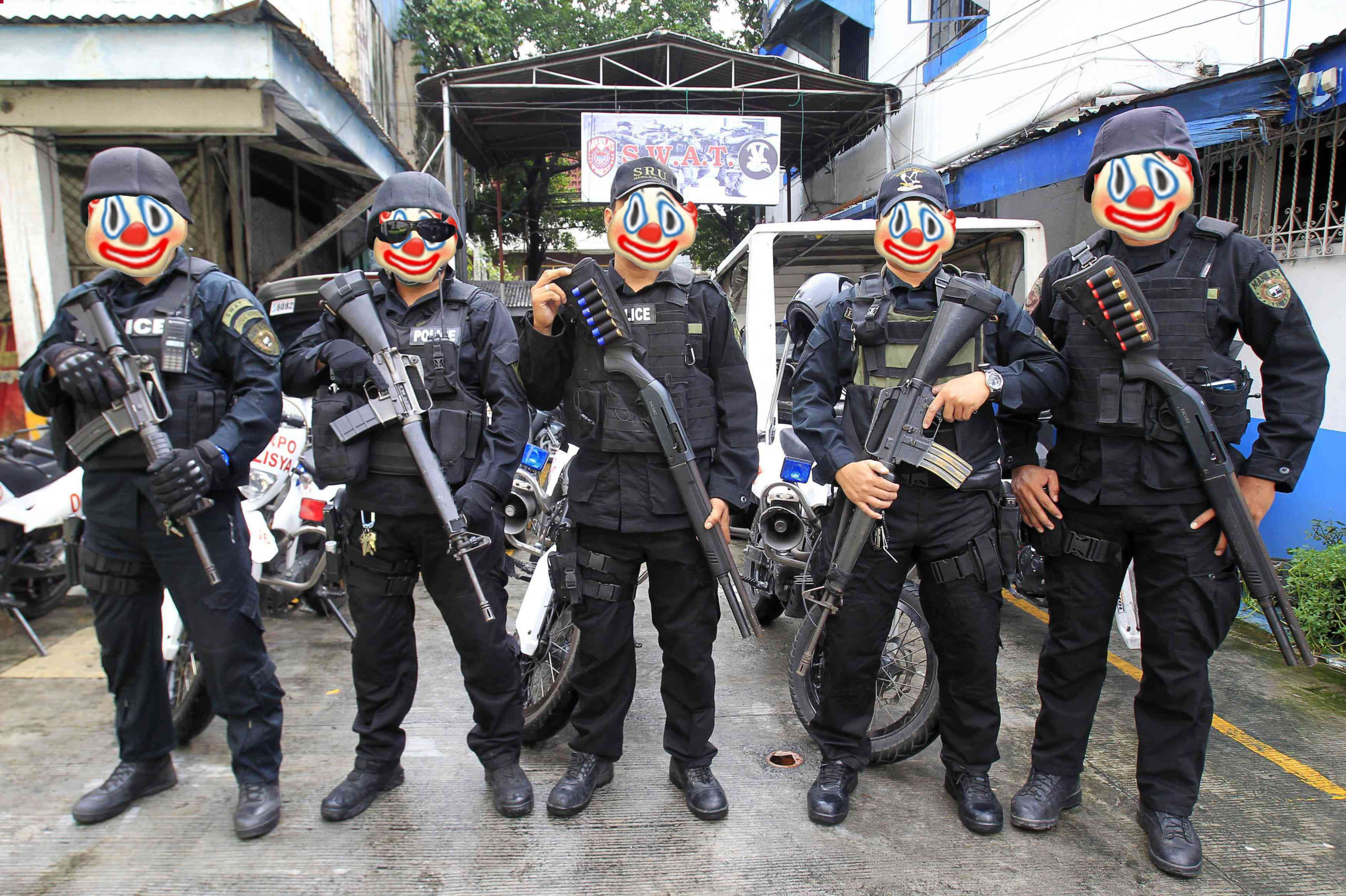 Так себе пранк. Полиция поздравляет филиппинцев с Рождеством обвинениями в убийстве