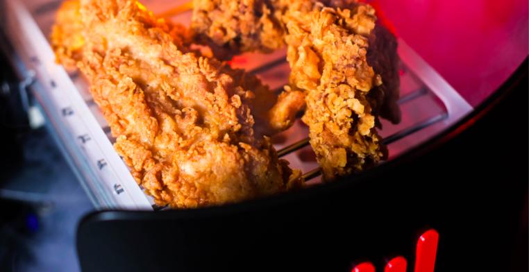 KFC представила игровую консоль с жаровней для курицы. Это уже не шутка