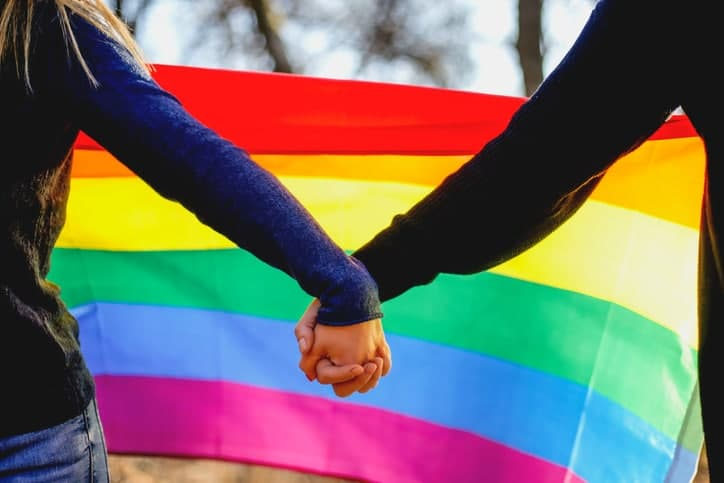 Парламент Швейцарии легализовал однополые браки