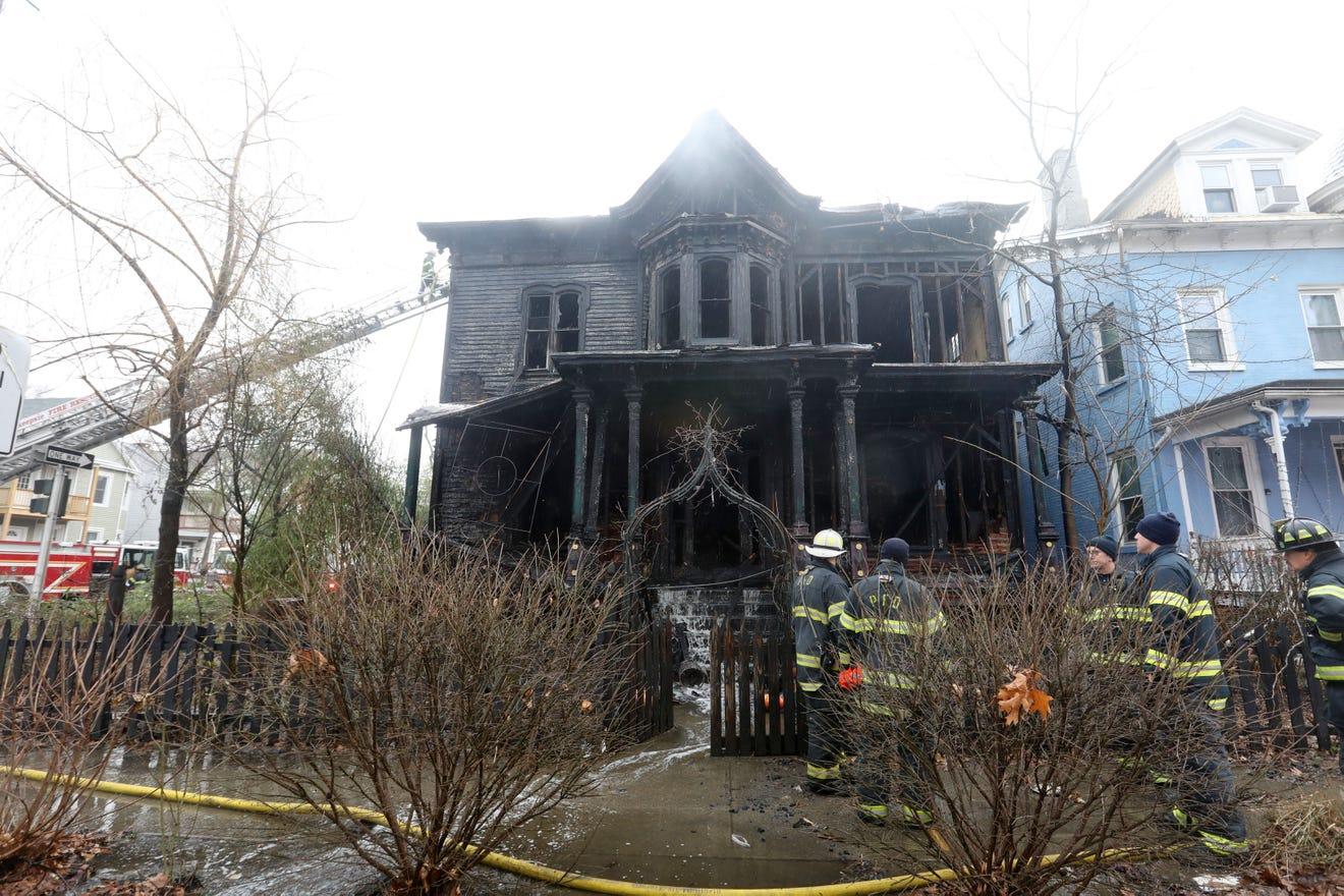 Особняк после пожара. Фото – Poughkeepsie journal.