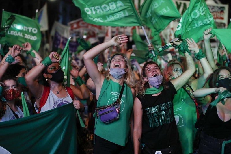 В Аргентине легализовали аборты. Раньше за это сажали на 15 лет