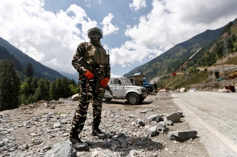 В Гималаях начались бои между Индией и Китаем. Краткая история конфликта