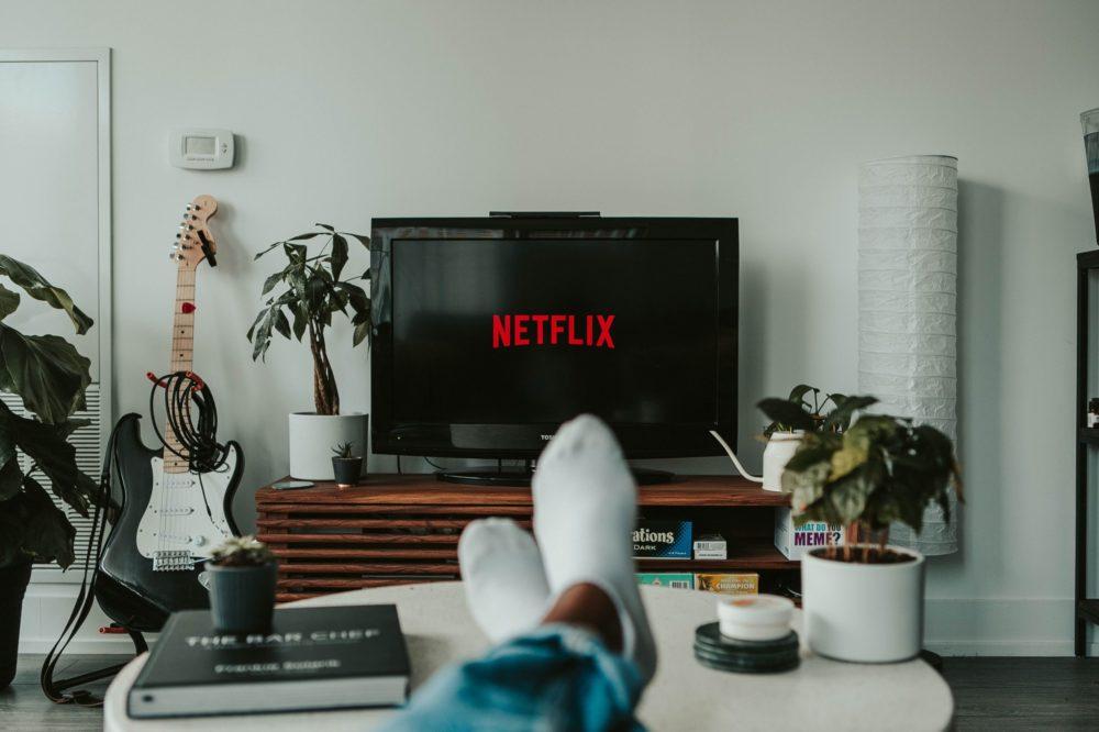 Netflix будет выпускать по фильму в неделю на протяжении всего 2021 года