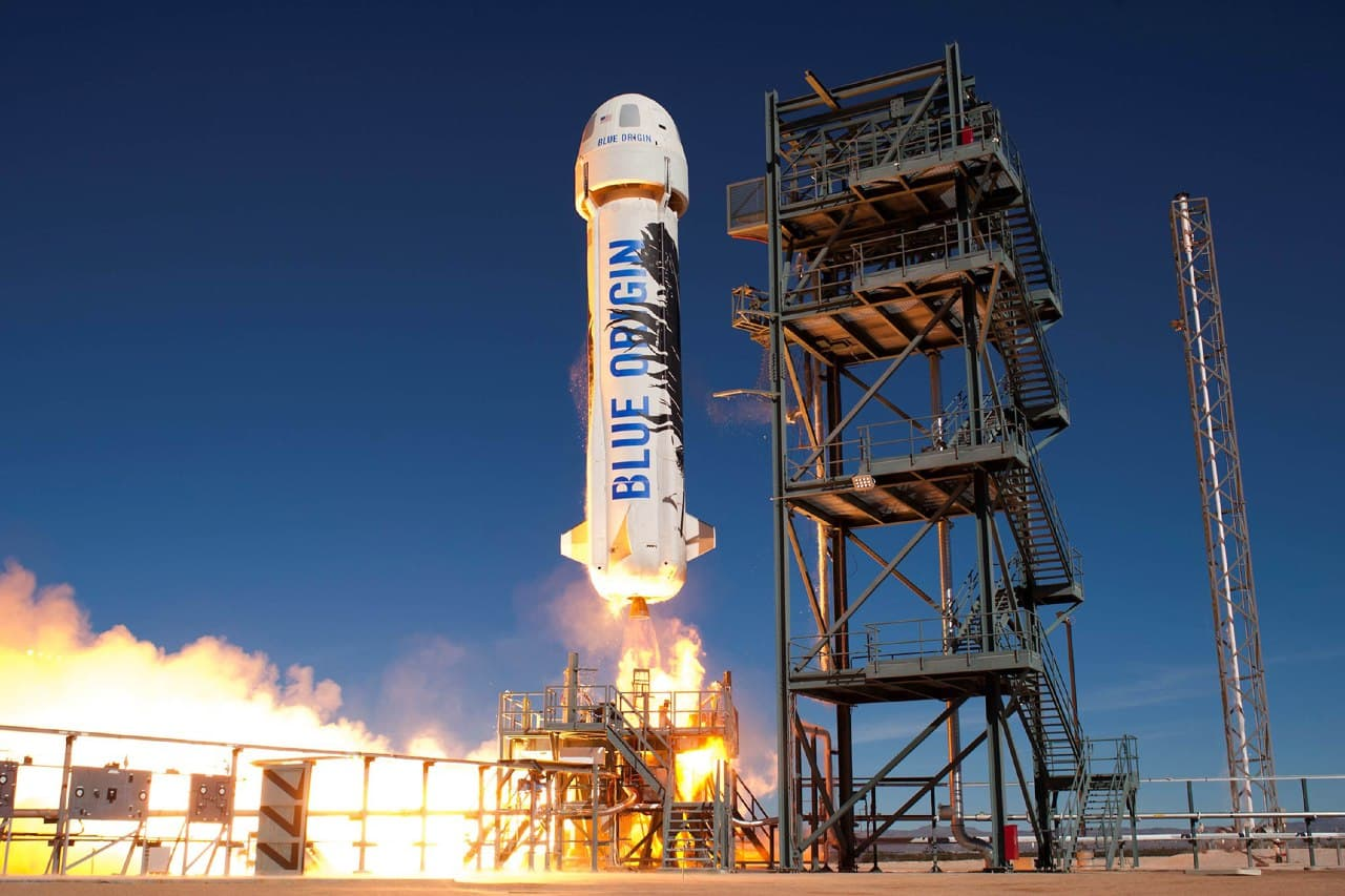 Основатель Amazon успешно испытал ракету-носитель с капсулой для пассажиров