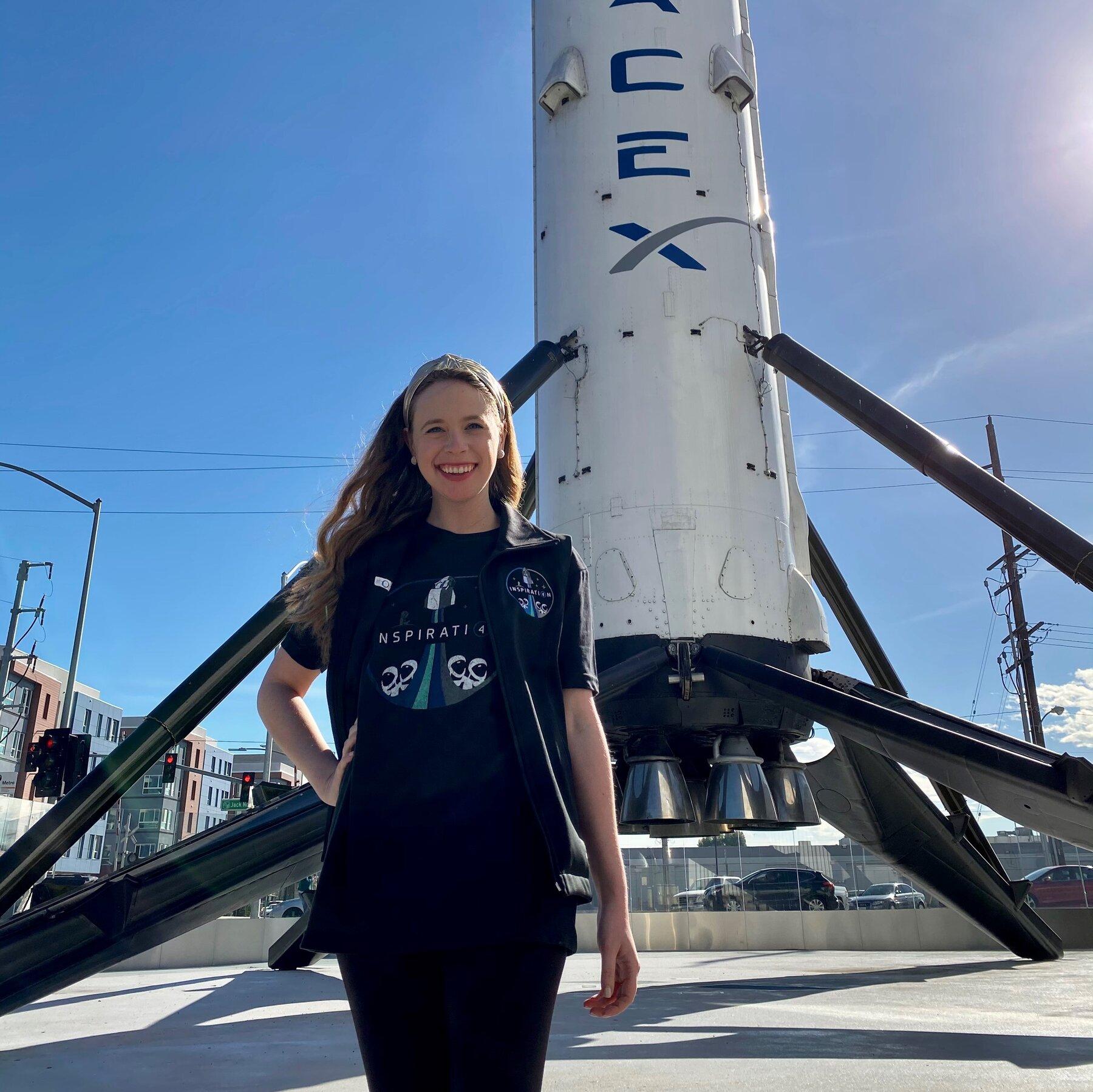 Вторым космическим туристом SpaceX стала 29-летняя американка, пережившая рак