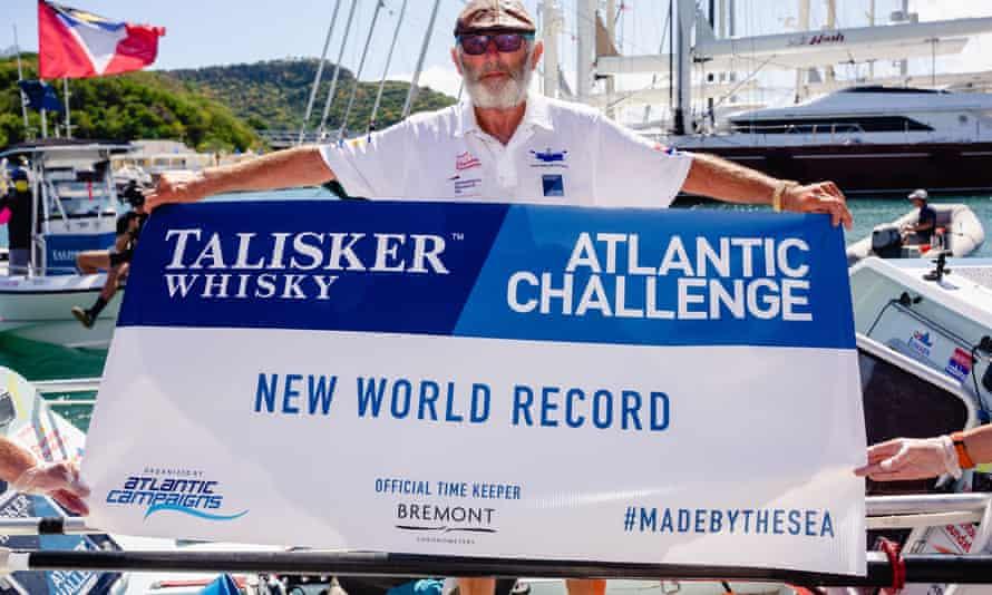 Пенсионер в одиночку пересек Атлантический океан, чтобы собрать средства на исследования болезни Альцгеймера